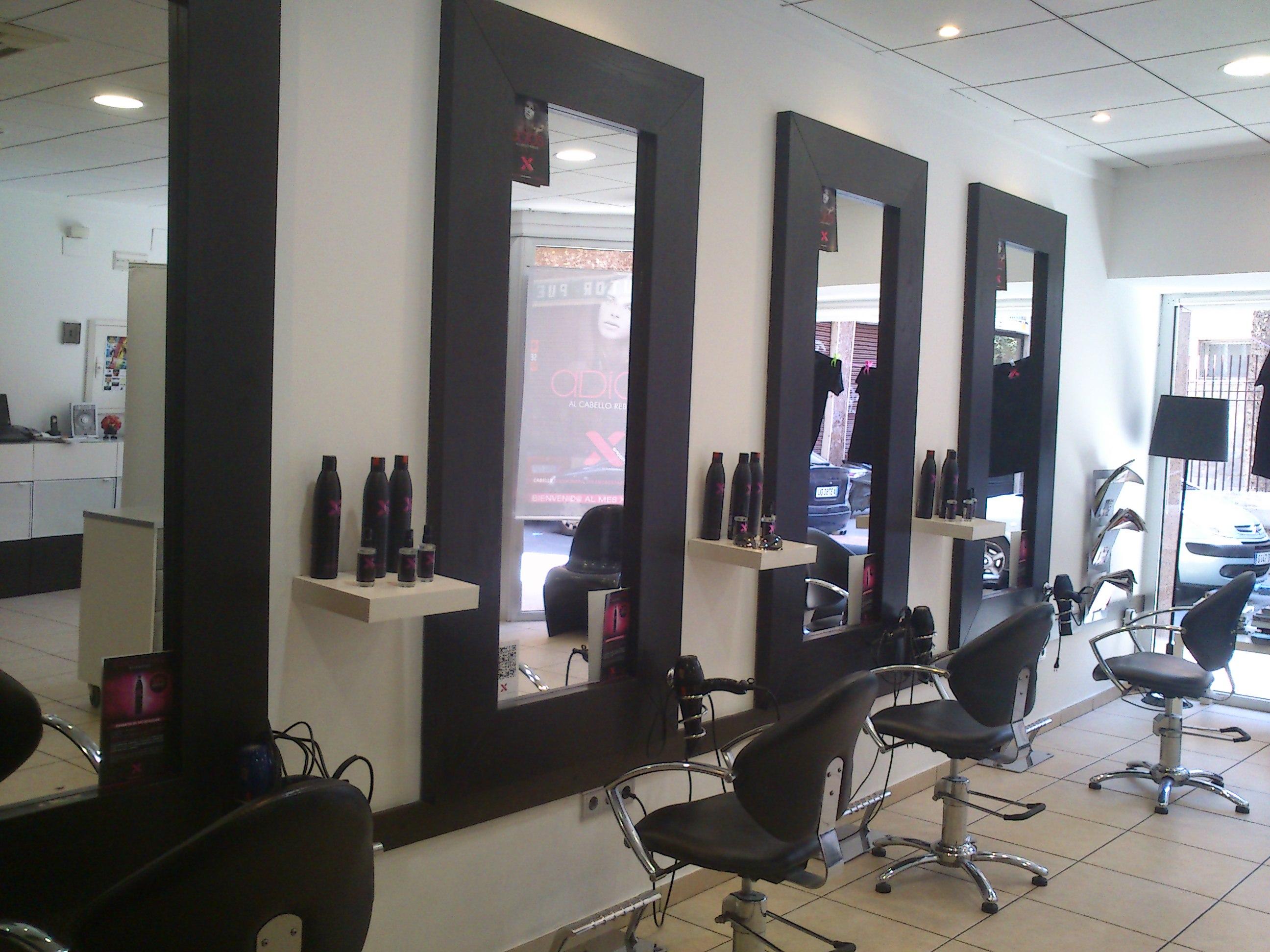 Salones nanomaxblog for Salones de peluqueria decoracion fotos